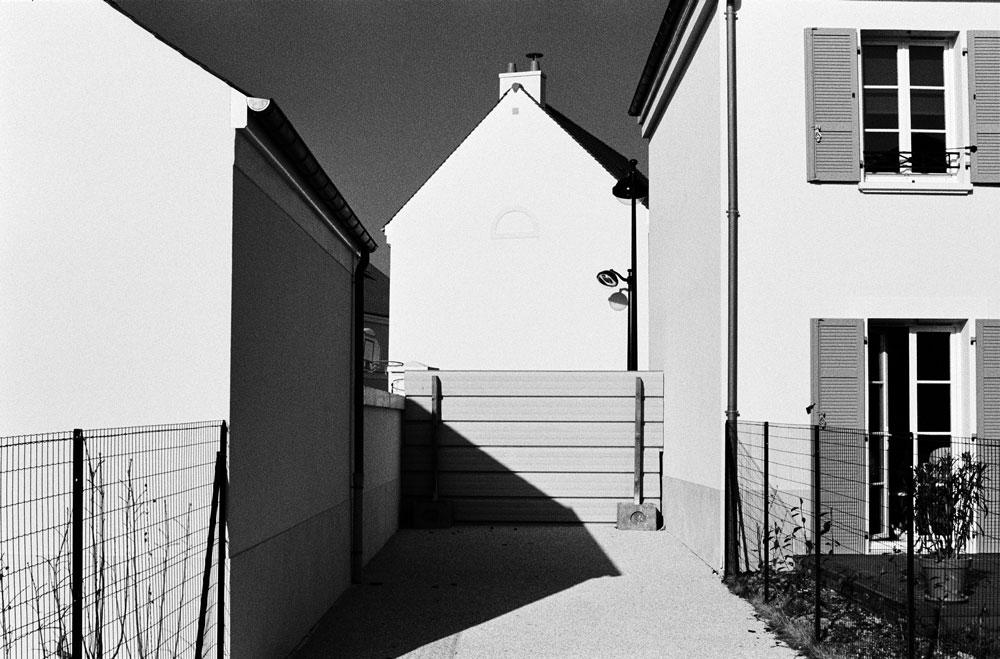 http://www.florianmaurer.fr/files/gimgs/7_florian-maurer-photographie-decor-habitable-1.jpg