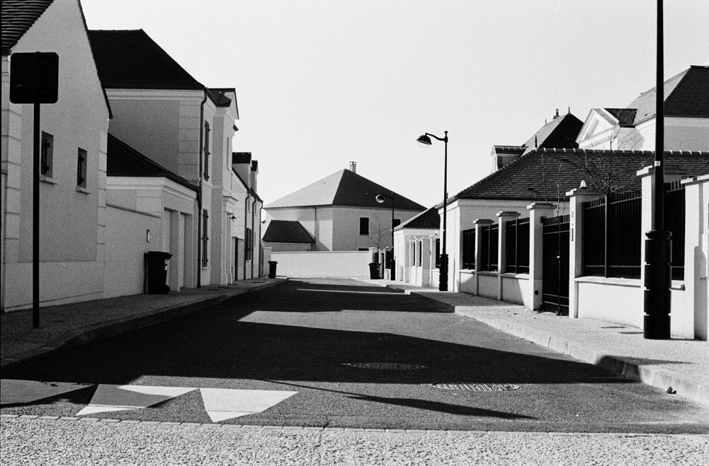 http://www.florianmaurer.fr/files/gimgs/7_florian-maurer-photographie-decor-habitable-2.jpg